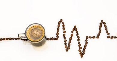 Tre tazzine di caffè al giorno possono scatenare un attacco di emicrania